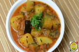 EGGPLANT POTATO CURRY WITH ONION TOMATO GRAVY -BRINJAL ALOO